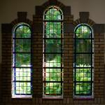 Glasraam in de Sint-Sixtusabdij van Westvleteren