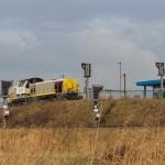 HLR 77 rangeerlocomotief op rangeerheuvel (Station Antwerpen-Noord in Antwerpse haven)