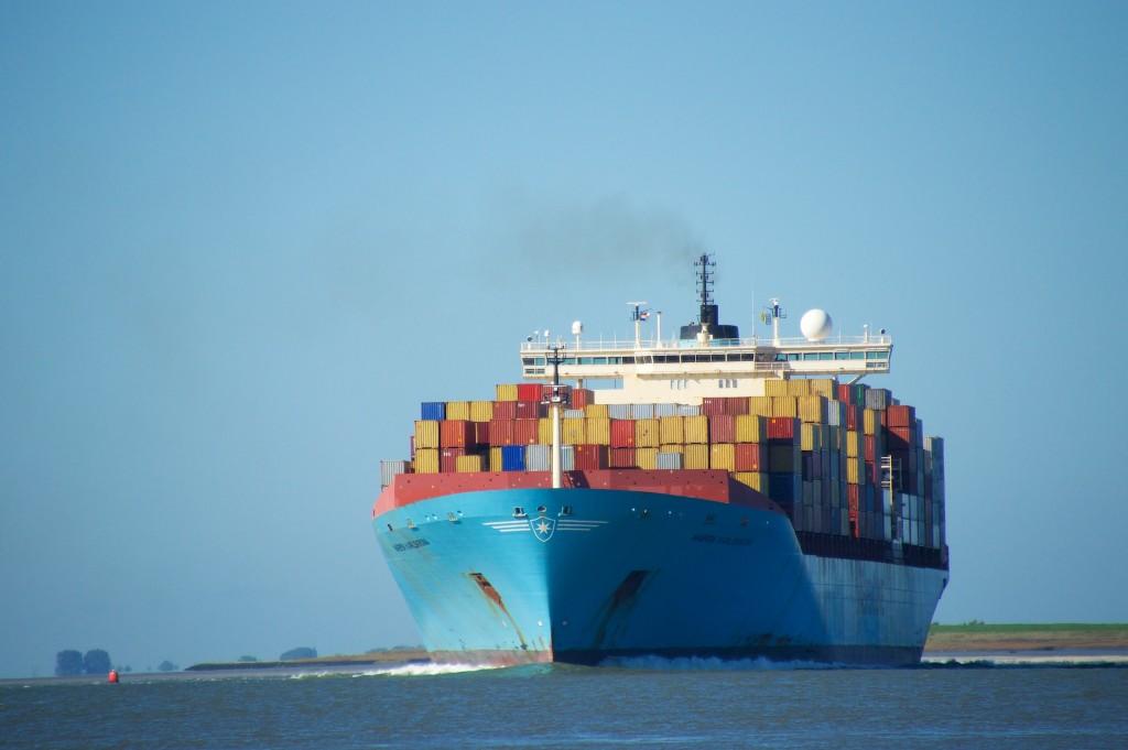 Containerschip MAERSK KARLSKRONA op de Schelde (1)