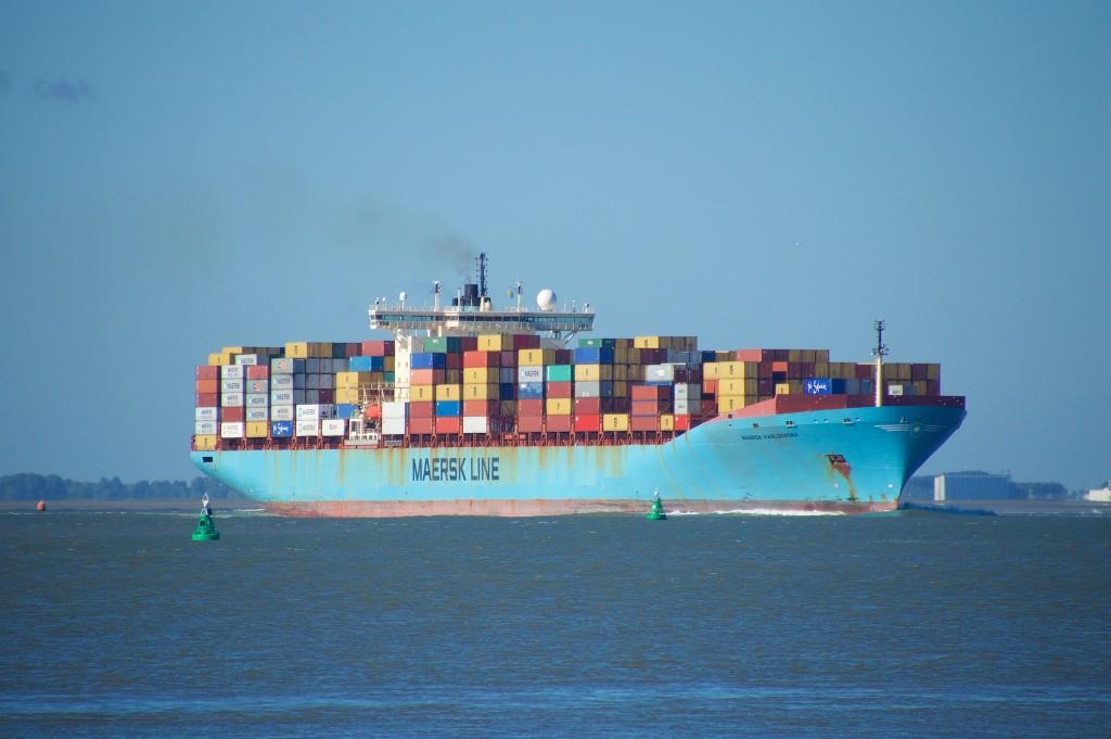 Containerschip MAERSK KARLSKRONA op de Schelde