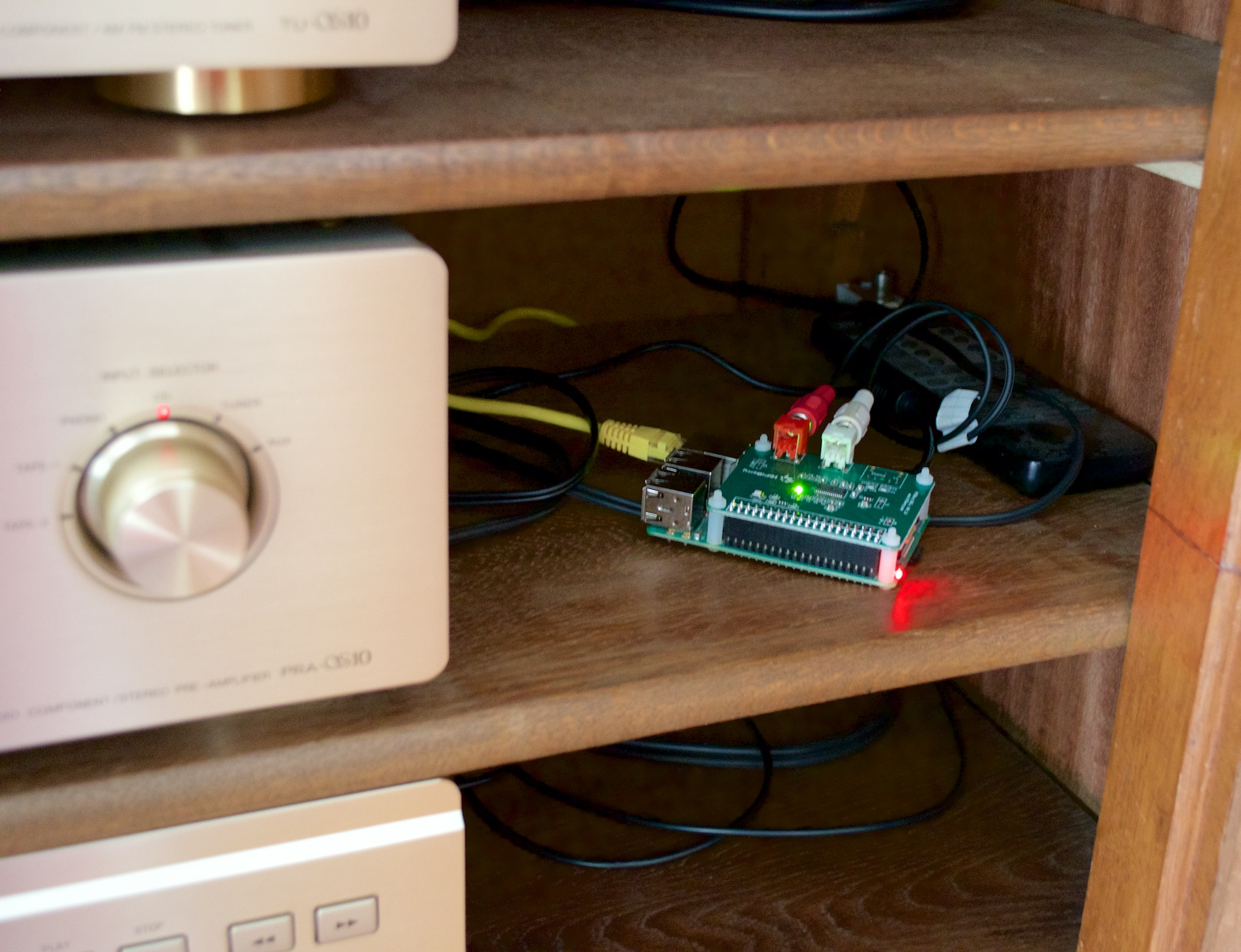 Raspberry Pi With Hifiberry Running Volumio An Awesome Music Streamer Denbeke